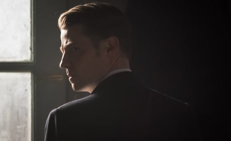 Don't Look Back - Gotham Season 3 Episode 12