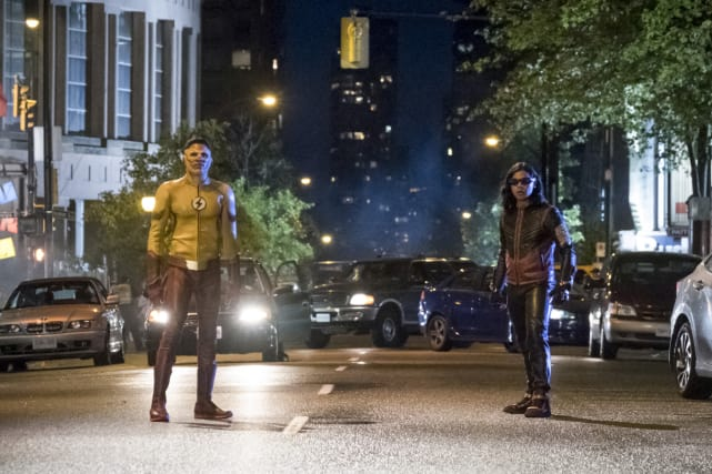 Can You Dig The Flash-y Vibe - The Flash Season 4 Episode 1