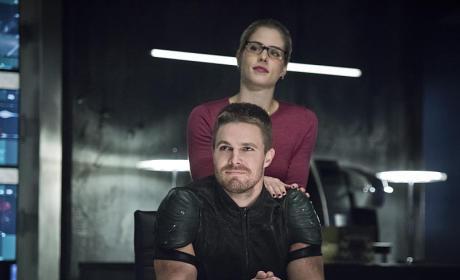 Happy Couple - Arrow Season 4 Episode 7
