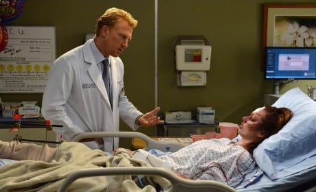 Owen Comforts a Patient - Grey's Anatomy Season 11 Episode 6