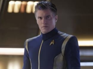 Vertical Pike Uniform - Star Trek: Discovery Season 2 Episode 2