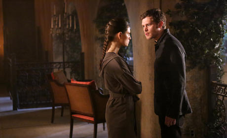 Debating Hope - The Originals Season 2 Episode 15