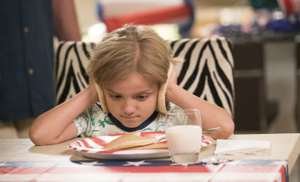 Watch Modern Family Online: Season 10 Episode 1