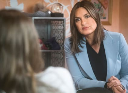 Watch Law & Order: SVU Season 17 Episode 12 Online