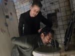 Down the dark alley - Gotham Season 2 Episode 18