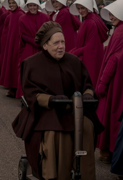 Aunt Lydia Scoots on By - The Handmaid's Tale Season 3 Episode 4