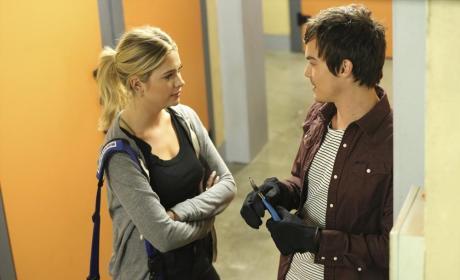 Hanna Needs Help - Pretty Little Liars Season 5 Episode 17