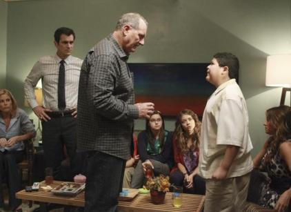 Watch Modern Family Season 3 Episode 2 Online