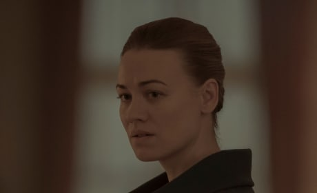 A Conflicted Woman - The Handmaid's Tale Season 3 Episode 4