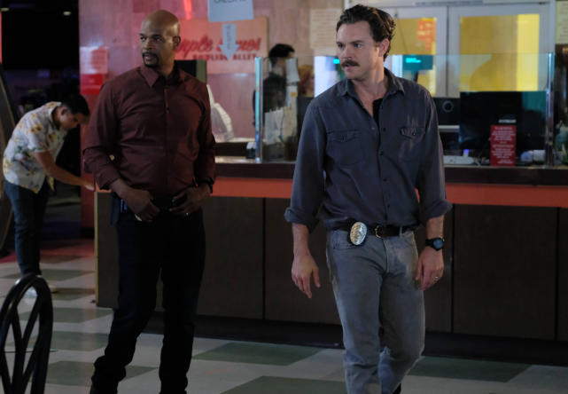 Two Dudes - Lethal Weapon Season 1 Episode 11