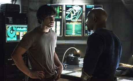 Bellamy and Pike Talk - The 100 Season 3 Episode 5
