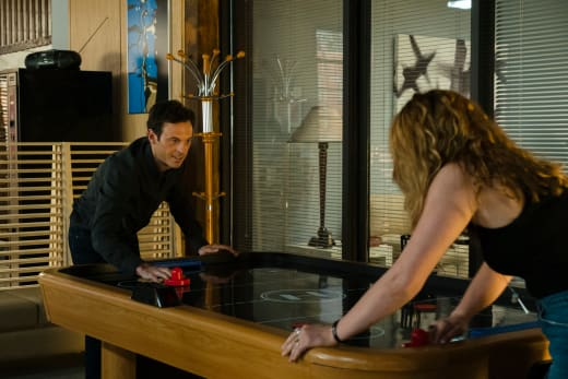 Gordon has a Girlfriend - Halt and Catch Fire Season 4 Episode 5