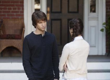 Watch Pretty Little Liars Season 1 Episode 17 Online