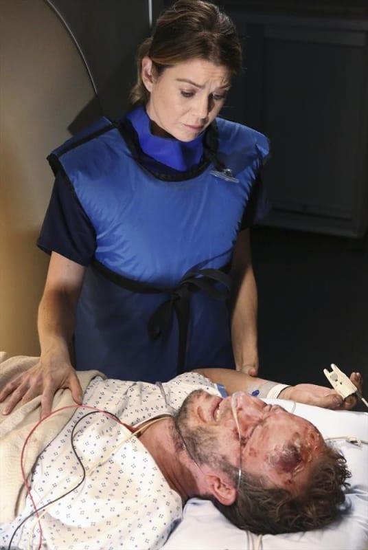Tending to a Doctor - Grey's Anatomy Season 11 Episode 1