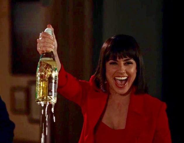 Quinn celebrates! - UnREAL Season 3 Episode 5