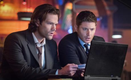 Watching the big game - Supernatural Season 12 Episode 11