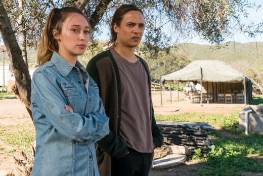 Siblings Chatting - Fear the Walking Dead Season 3 Episode 3