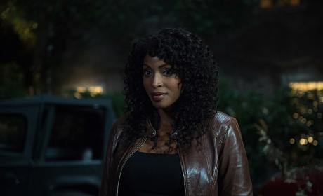 Billie is eyeing up Dean - Supernatural Season 12 Episode 6