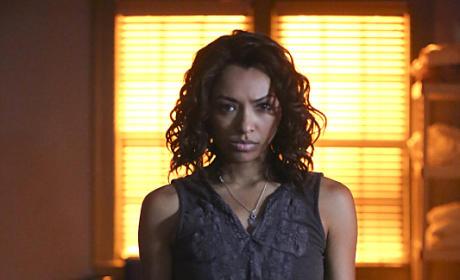 Bonnie on Fire - The Vampire Diaries Season 7 Episode 3