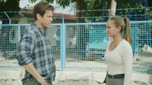 Crucial Showdown - Almost Paradise Season 1 Episode 1