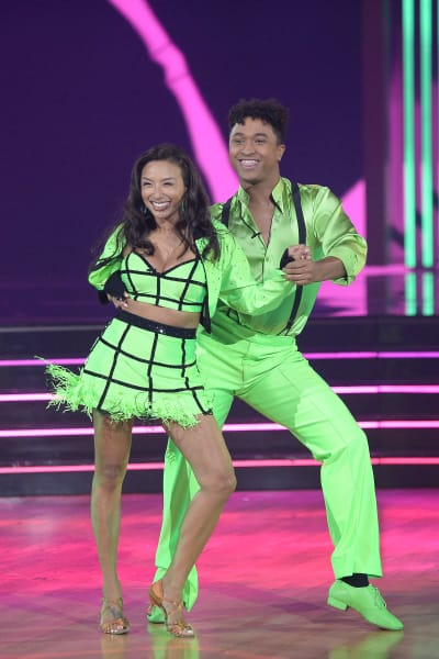 Jeannie Mai and Brandon Armstrong  - Dancing With the Stars Season 29 Episode 1
