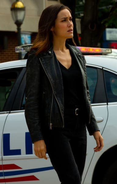 Liz on the Case - The Blacklist Season 6 Episode 7