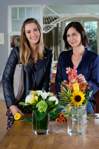 Lovely Flowers - Good Witch Season 6 Episode 3
