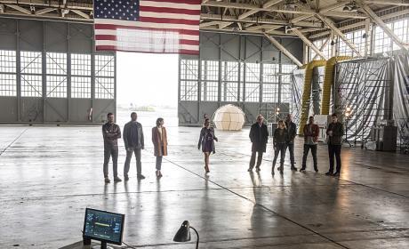 The Whole Gang - The Flash Season 3 Episode 8