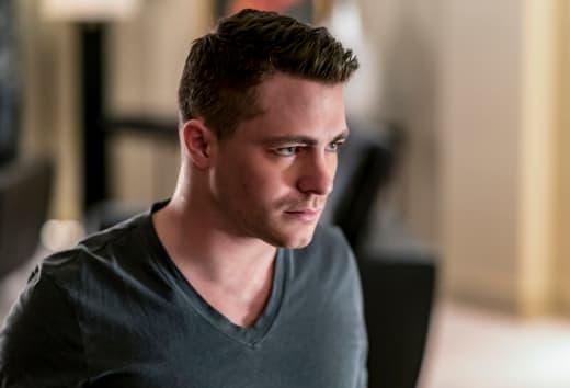 My Friends are Coming! - Arrow Season 6 Episode 15