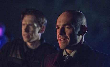 Capt. Lance Makes an Appearance - Arrow Season 3 Episode 23