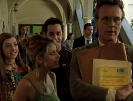 Asking Jenny Out - Buffy the Vampire Slayer Season 2 Episode 2