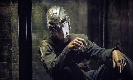 Man in the Iron Mask - The Flash Season 2 Episode 14