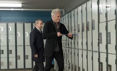 Blaine Breaks In - iZombie Season 4 Episode 8