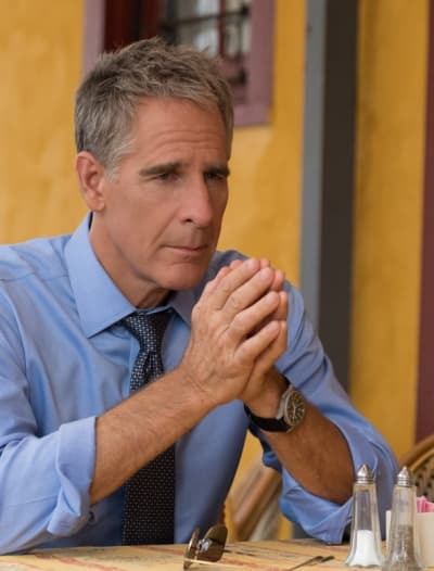 Asking for Help - Tall - NCIS: New Orleans Season 5 Episode 8