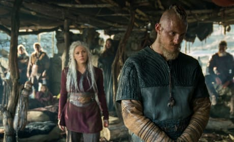 Back Turned - Vikings Season 5 Episode 11