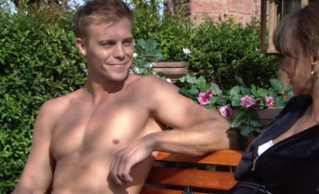 Shirtless Travis - The Young and the Restless