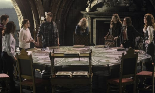 Planning an Attack - Once Upon a Time Season 7 Episode 22
