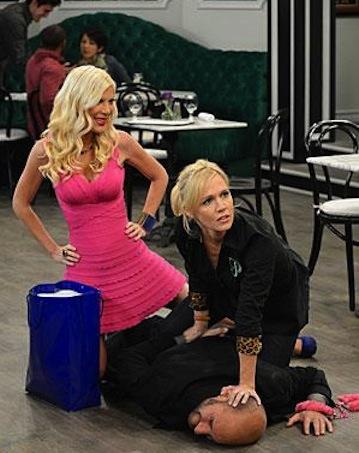 Tori Spelling and Jennie Garth on Mystery Girls