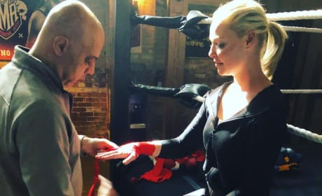Katherine Heigl Behind The Scenes of Suits