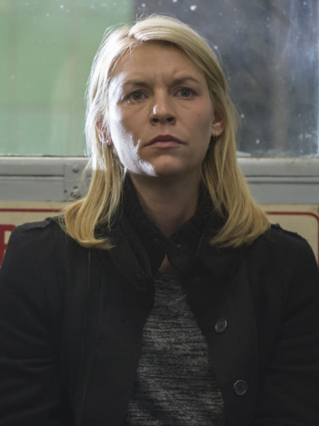 Carrie Looks for Quinn at Police Station - Homeland Season 6 Episode 6