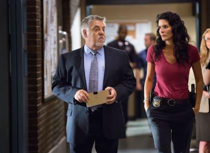 Watch Rizzoli & Isles Season 5 Episode 13 Online