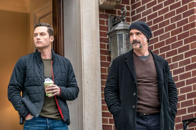 Working the Case - Chicago PD Season 4 Episode 20