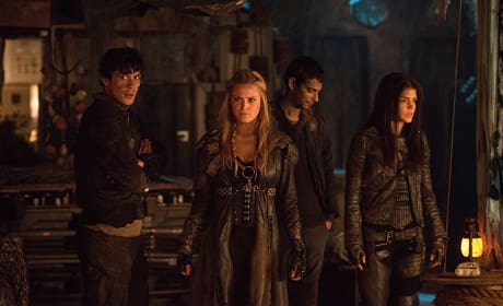 Angry Clarke - The 100 Season 3 Episode 14