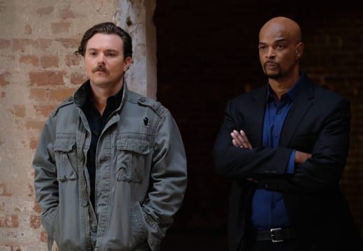 Not Talking to You - Lethal Weapon Season 1 Episode 13