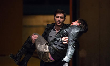Nick Comes to the Rescue - Grimm