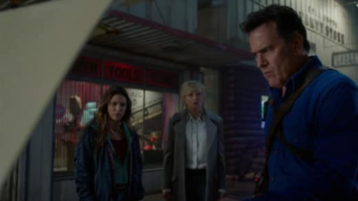 Junk In The Trunk - Ash vs Evil Dead Season 3 Episode 5