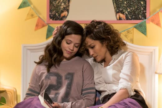 Cristina and Harlee - Shades of Blue Season 2 Episode 11