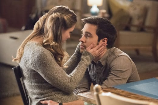 Sweet Moment - Supergirl Season 2 Episode 15