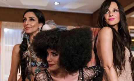 Three Chers - Girlfriends' Guide to Divorce Season 3 Episode 4