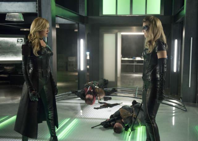 Black Siren Vs Black Canary - Arrow Season 6 Episode 1